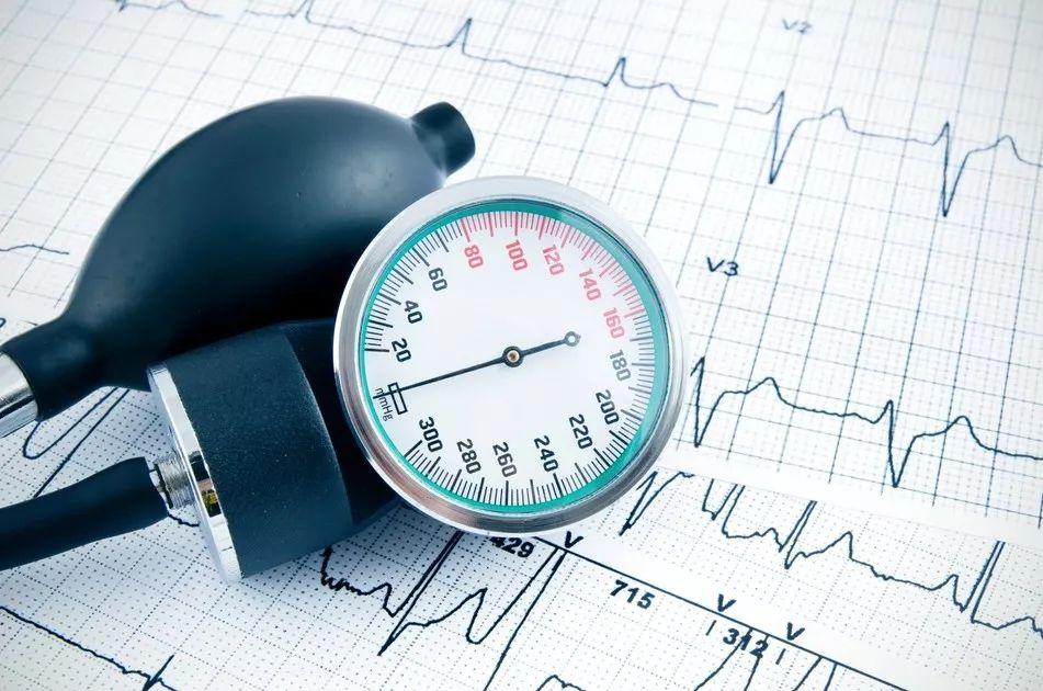 《循环》:惊人!阜外医院团队发布最新高血压患者数据,ACC新标准下中国成年高血压患者已达5亿 | 临床大发现